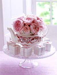 Teapot-Centerpiece-in-Pink