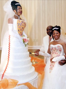 Bride-+-HER-Wedding-Cake