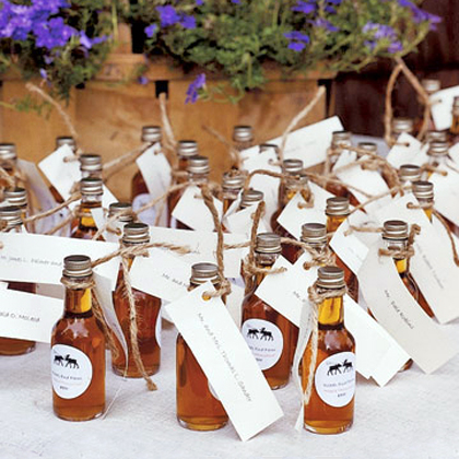 Wedding reception decoration ideas the best wedding blog Unique place card ideas